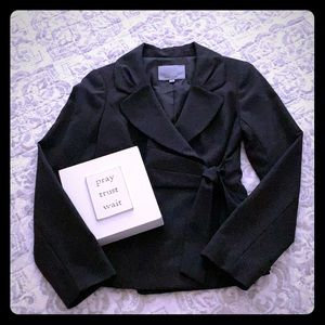 Black dotted blazer with accent tie